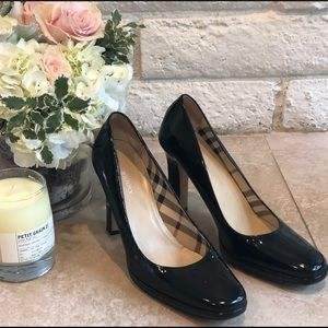 Burberry black patent leather heels size 38.5